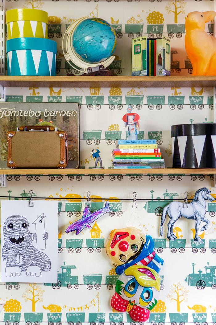 Färgstark funktion med loppisfynd i radhuset ELLE Decoration