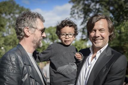 Inredaren Pontus Djanaieff, WildHorsesProductions Jonas Andersson med Leon.