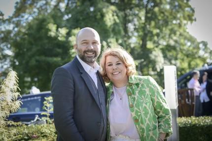 Broms Karlaplans CEO Kenneth Hallström med legendariska hårstylisten & dj:n Sandra Benarba.