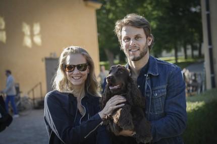 Anette Hedin, grundare av DAY med modellen & fotografen Tobias Lundkvist.