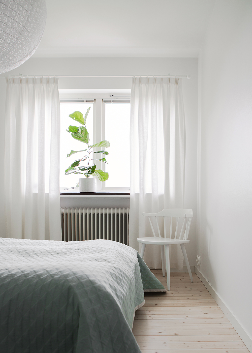 Vitt, avskalat och mjuka kontraster i veckans interiör! ELLE Decoration