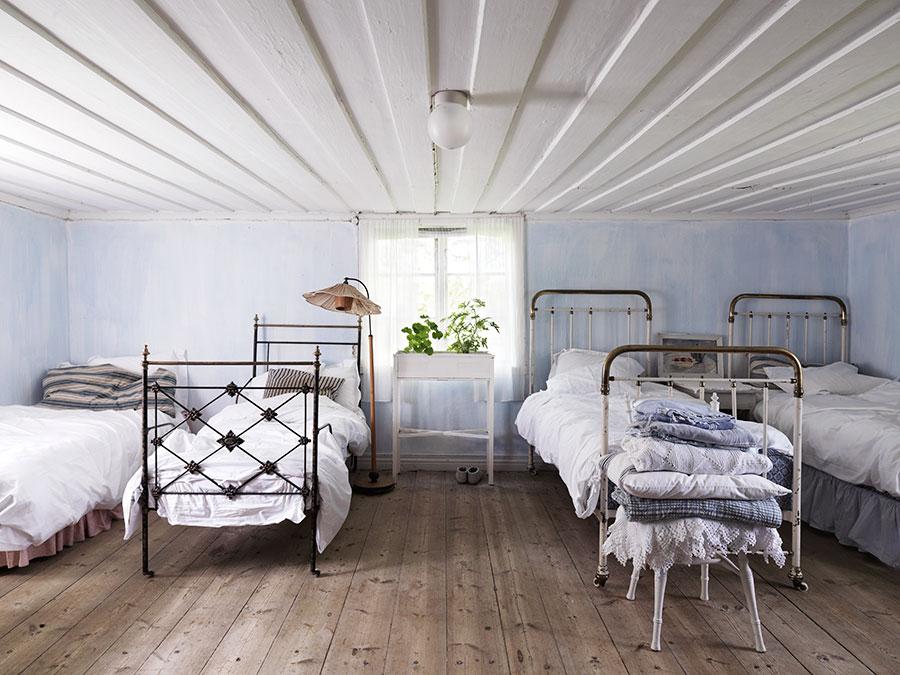 Torpdröm i gråblått och milda pasteller ELLE Decoration