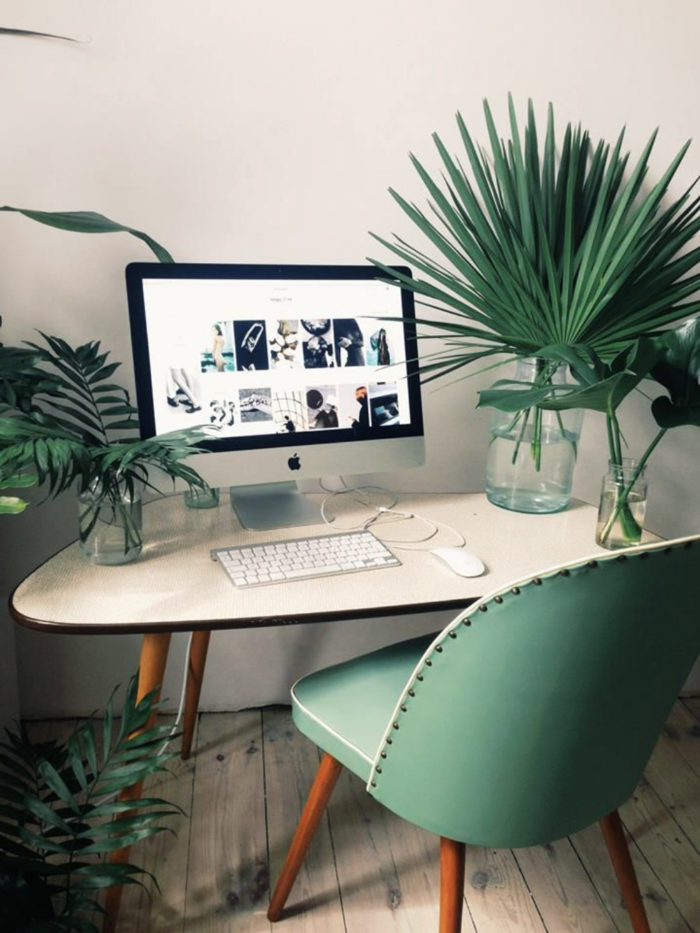 14. green-plants-home-office-work-study-space