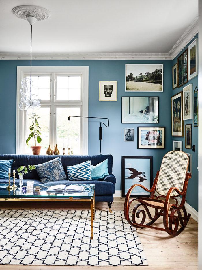 krickelin_vardagsrum_livingroom_soffa_tavelvagg_Foto_Andrea_Papini