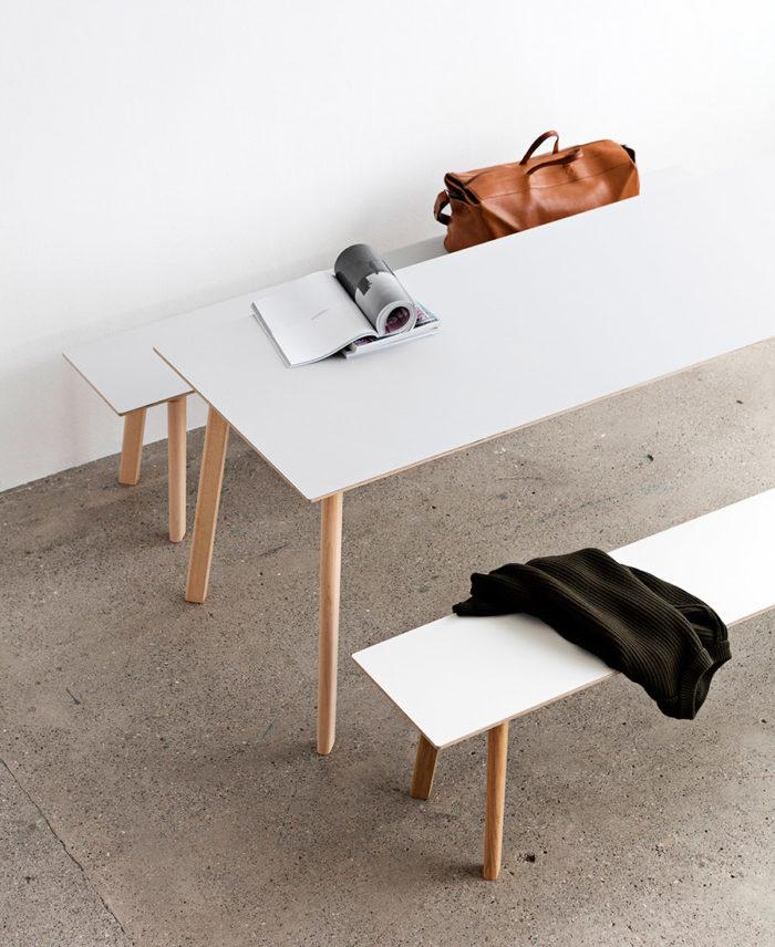 Serien Copenhague Deux är designad av Ronan & Erwan Bouroullec för danska Hay.