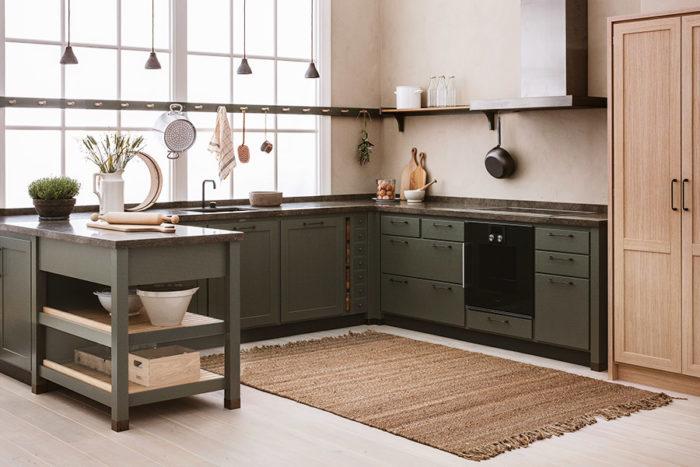 Nya köket Cool Classic från Kvänum i den djupgröna nyansen Skog.
