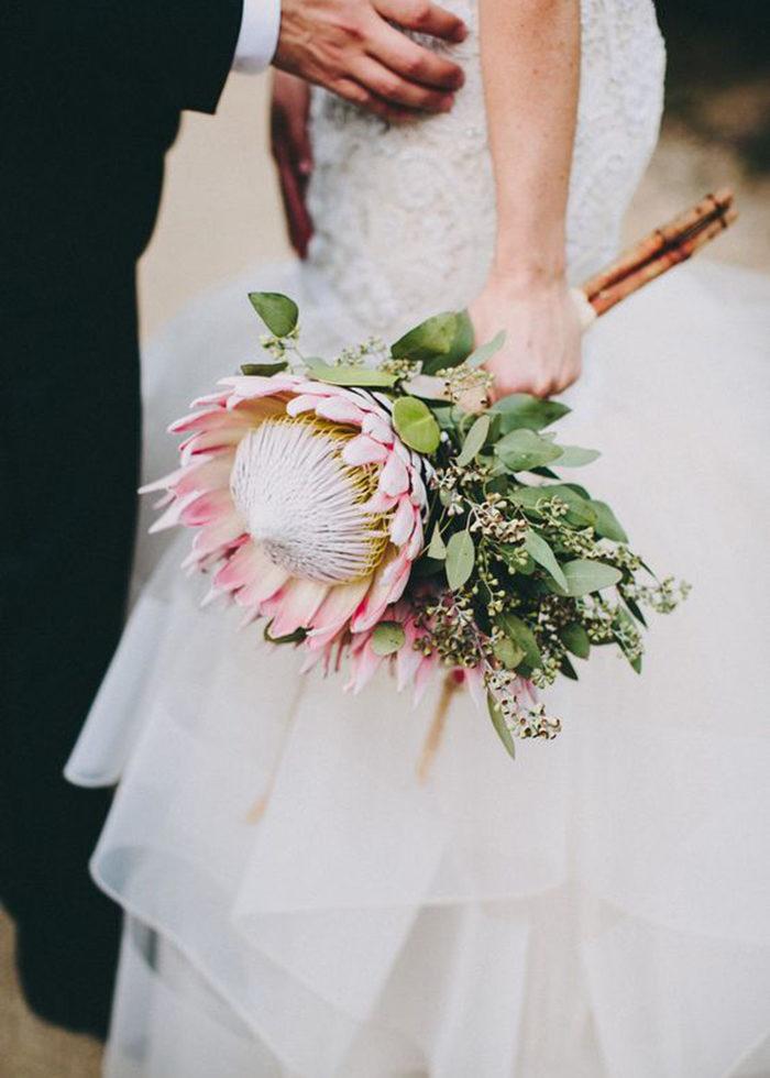 Dekorera med blommor på bröllopet