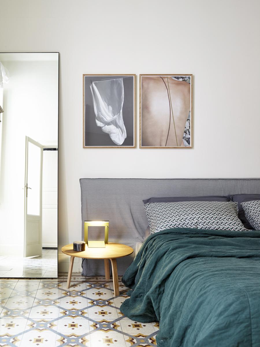 sovrum med grönt överkast