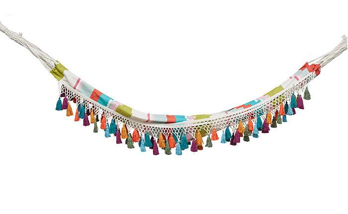 Bohemisk hängmatta med tofsar i flera färger