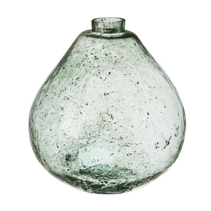 Sätt guldkant på balkongen och gör den lyxig – med grön vas från Granit