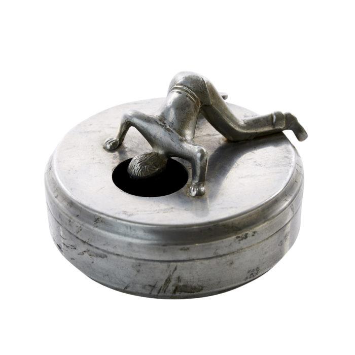 Manschettknappask i tenn från 1900-talets första hälft