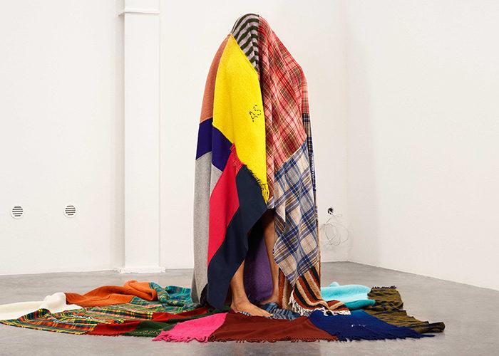 Filt från Acne Studios nya kollektion inspirerad av scarfer