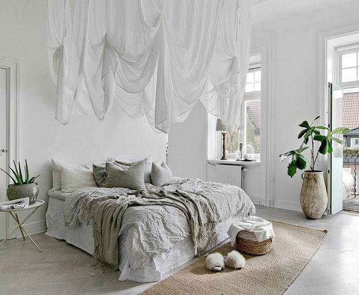 Sovrum med naturmaterial och mysig minimalism