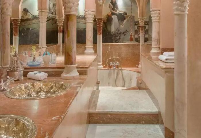 Baño independiente en el Hotel La Saltuna
