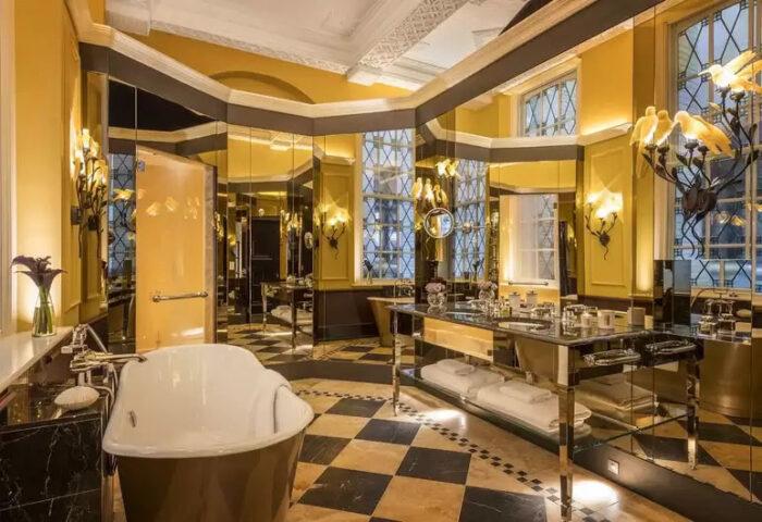 Baño en el hotel L'oscar en Londres