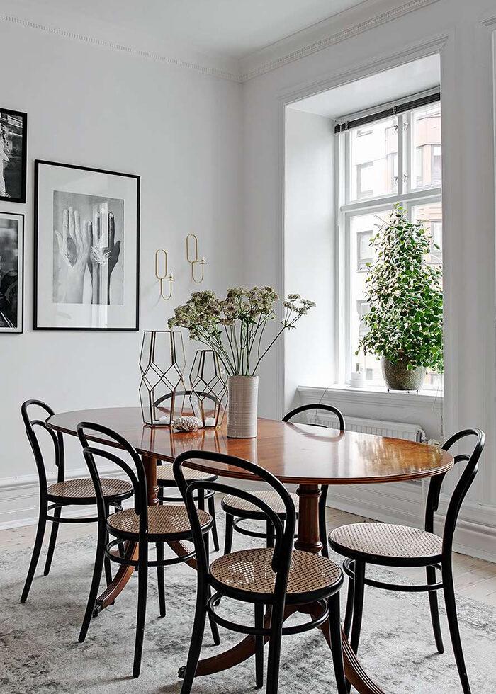 El mimbre es una buena característica de las sillas de cocina: aquí la silla Thonet no 14