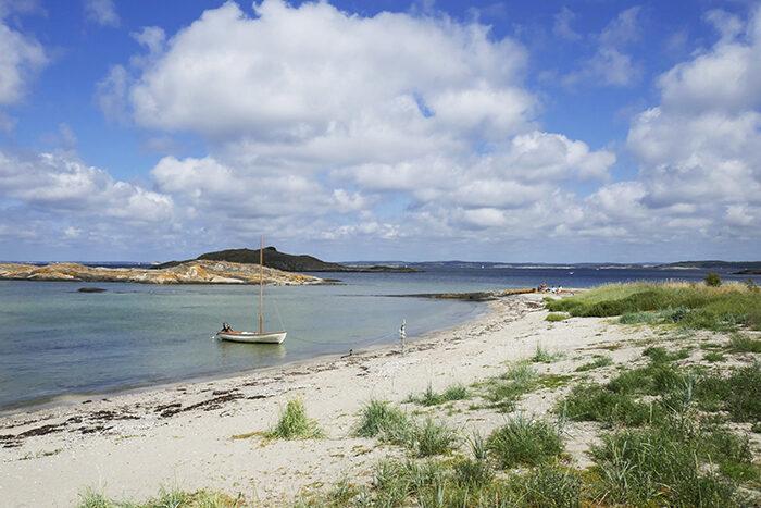 Strand på Sydkoster på västkusten i Sverige