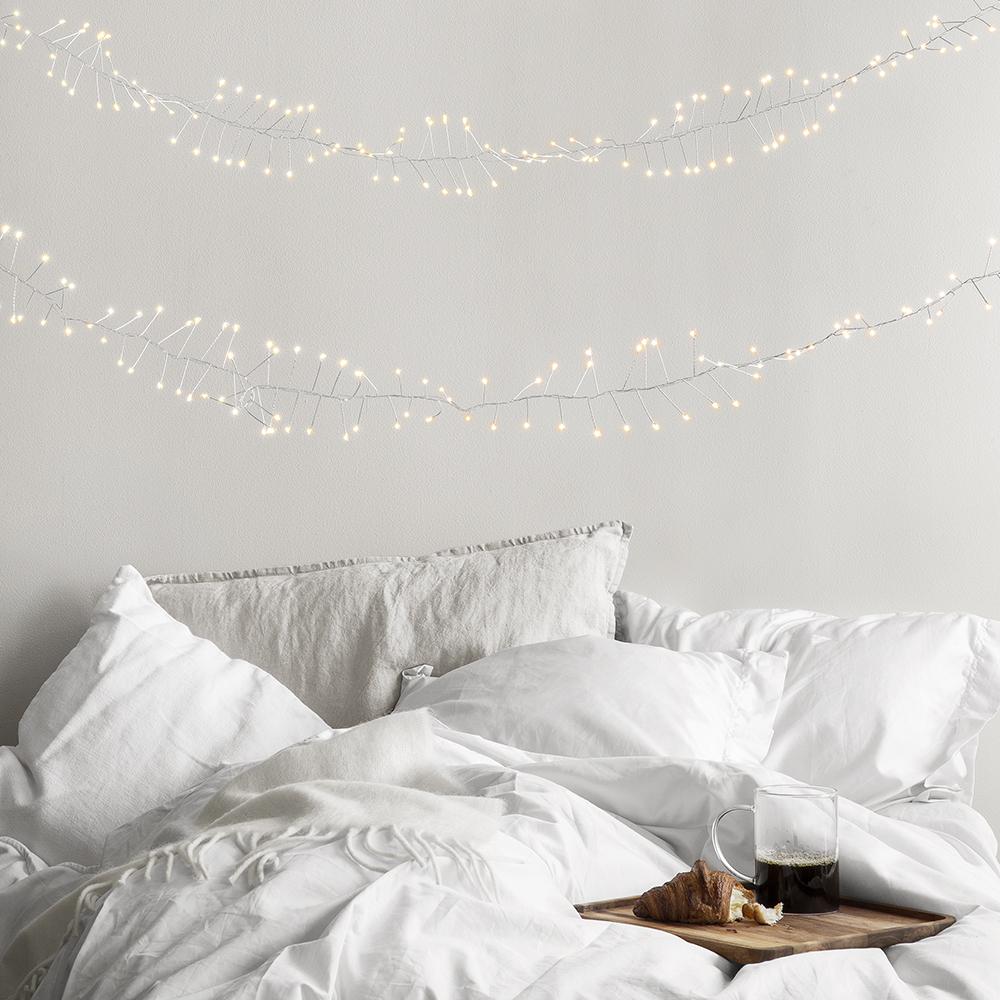 Ljusslingor och vintervit jul hos Granit 2019
