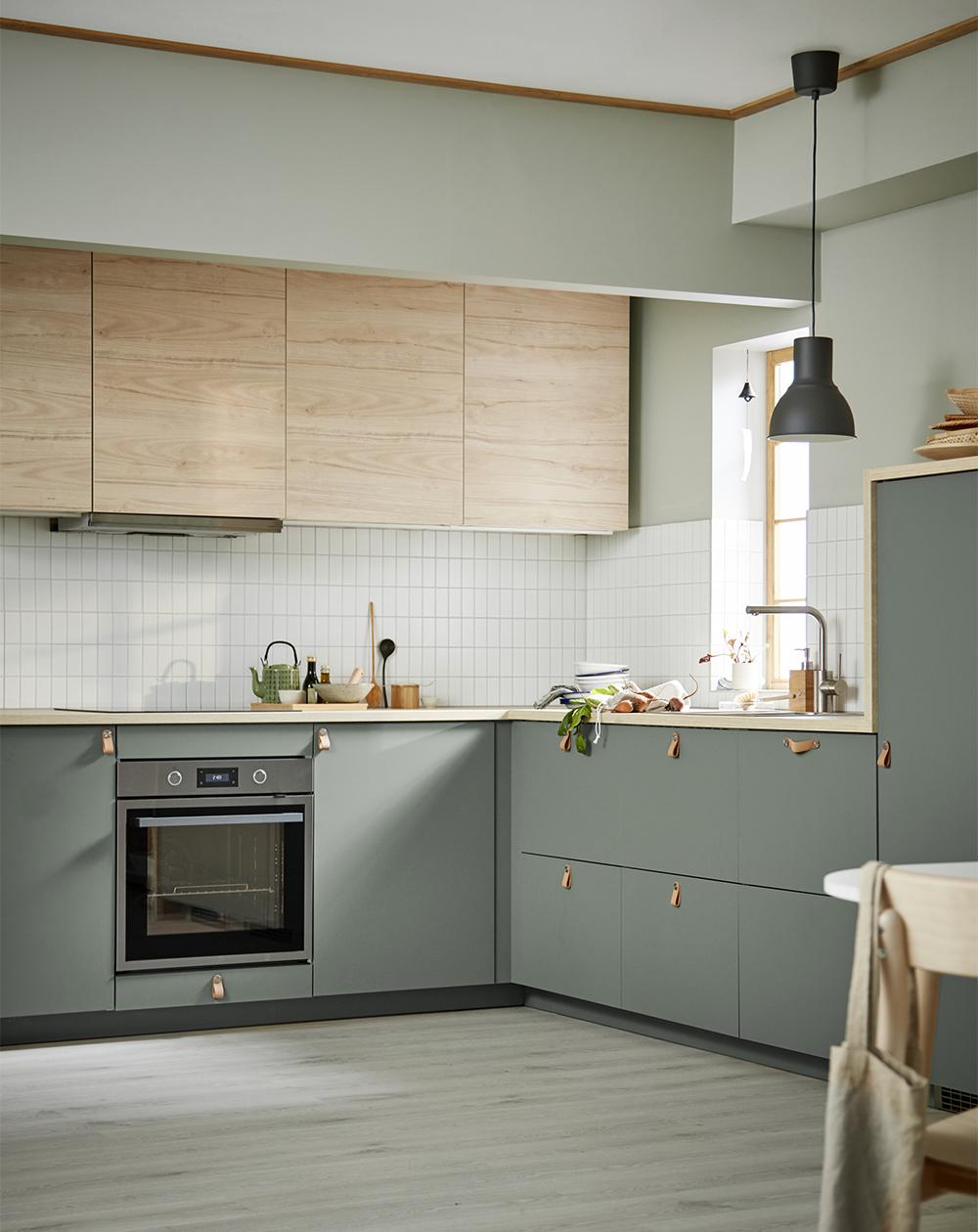 Grönt kök från Ikea-katalogen 2020