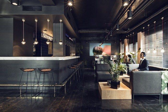 Designhotellet med m rka v ggar marmor och bananer for Design hotel belgien