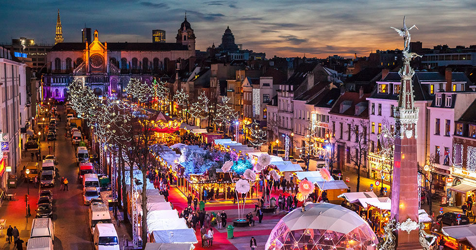 FB670K Belgium, Brussels Christmas Market or Winter Wonders, Marche aux Poissons, Fish Market next to St Catherine Church.