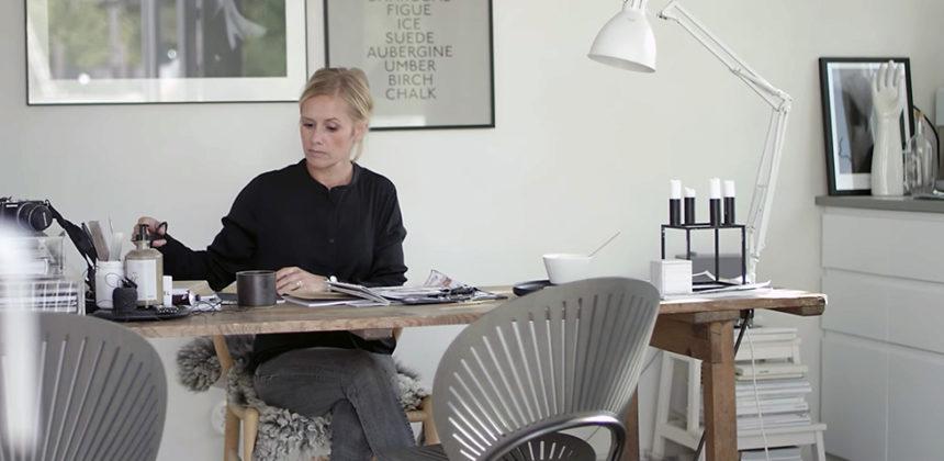 Dansk design och naturliga material – hemma hos Pella Hedeby