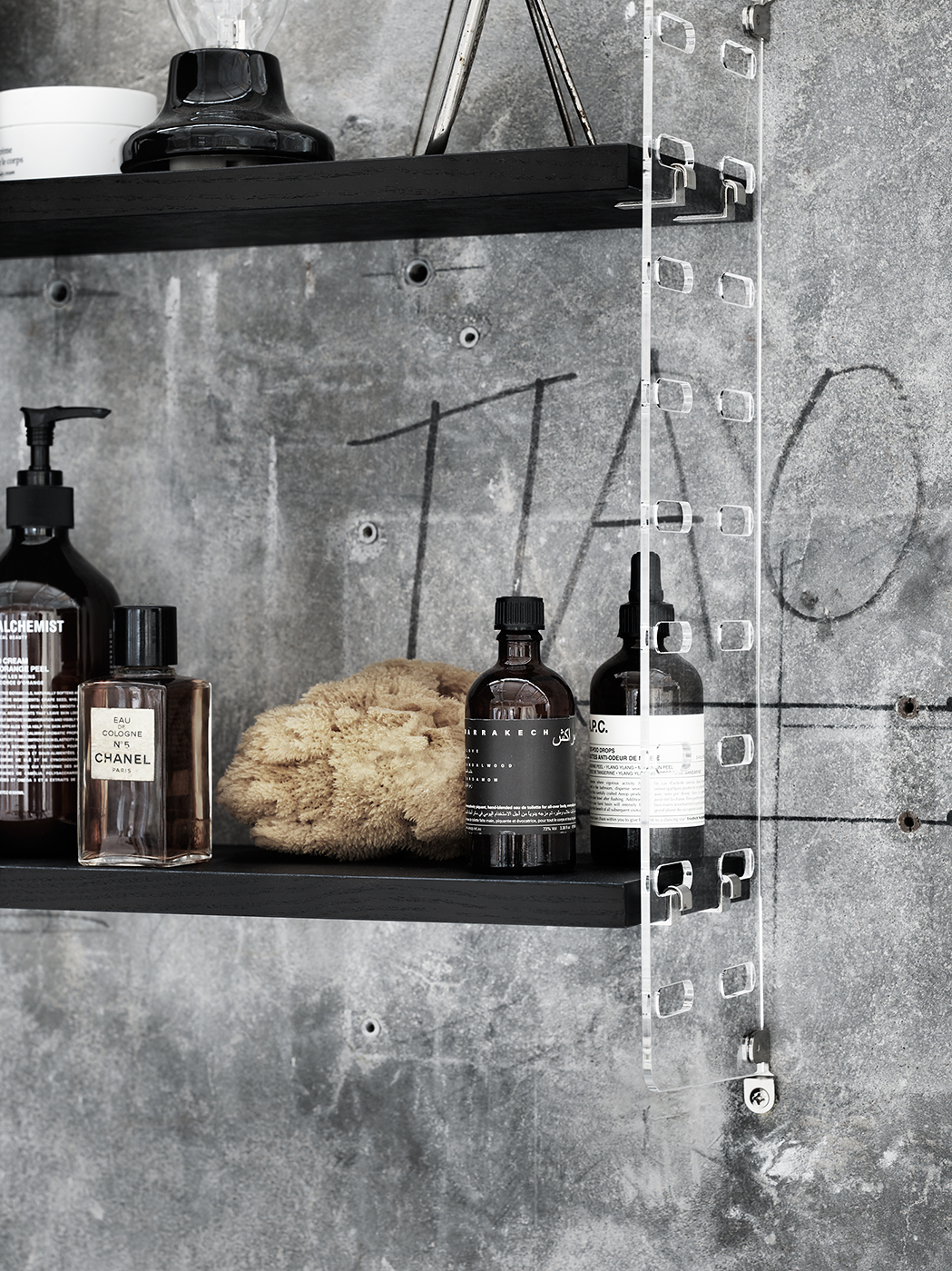 String_2016_Lotta_Agaton concrete bathroom