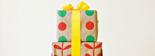 Homemade holiday gift wrap by Eat Sleep Cuddle