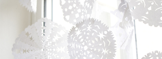 Paper snowflakes by Elisabeth Dunker / Fine Little Day