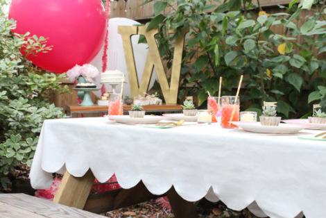 DIY scalloped tablecloth by Sugar & Cloth