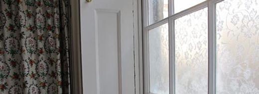 Lace window treatment with cornflour, by Annabel Vita