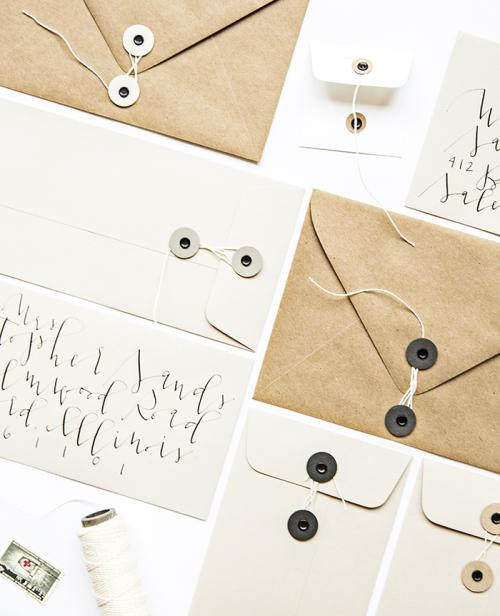 kuvert med snöre
