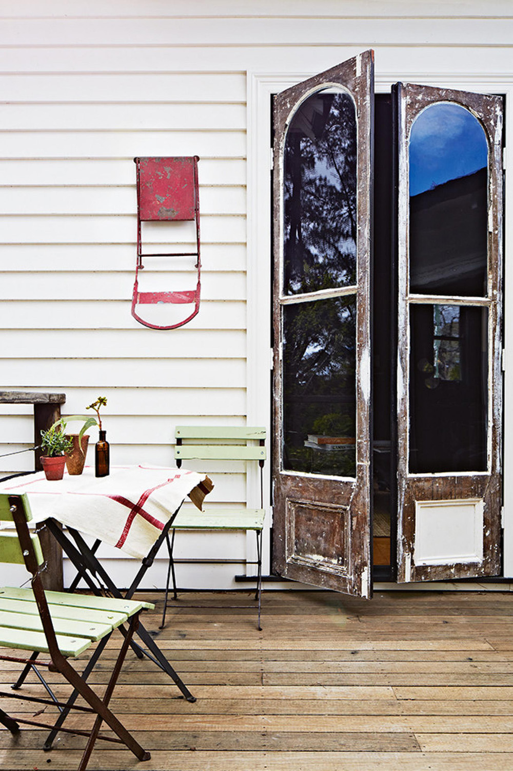 rustic-outdoor-tables-chairs-weatherboard-mar14-20150401101615~q75,dx1920y-u1r1g0