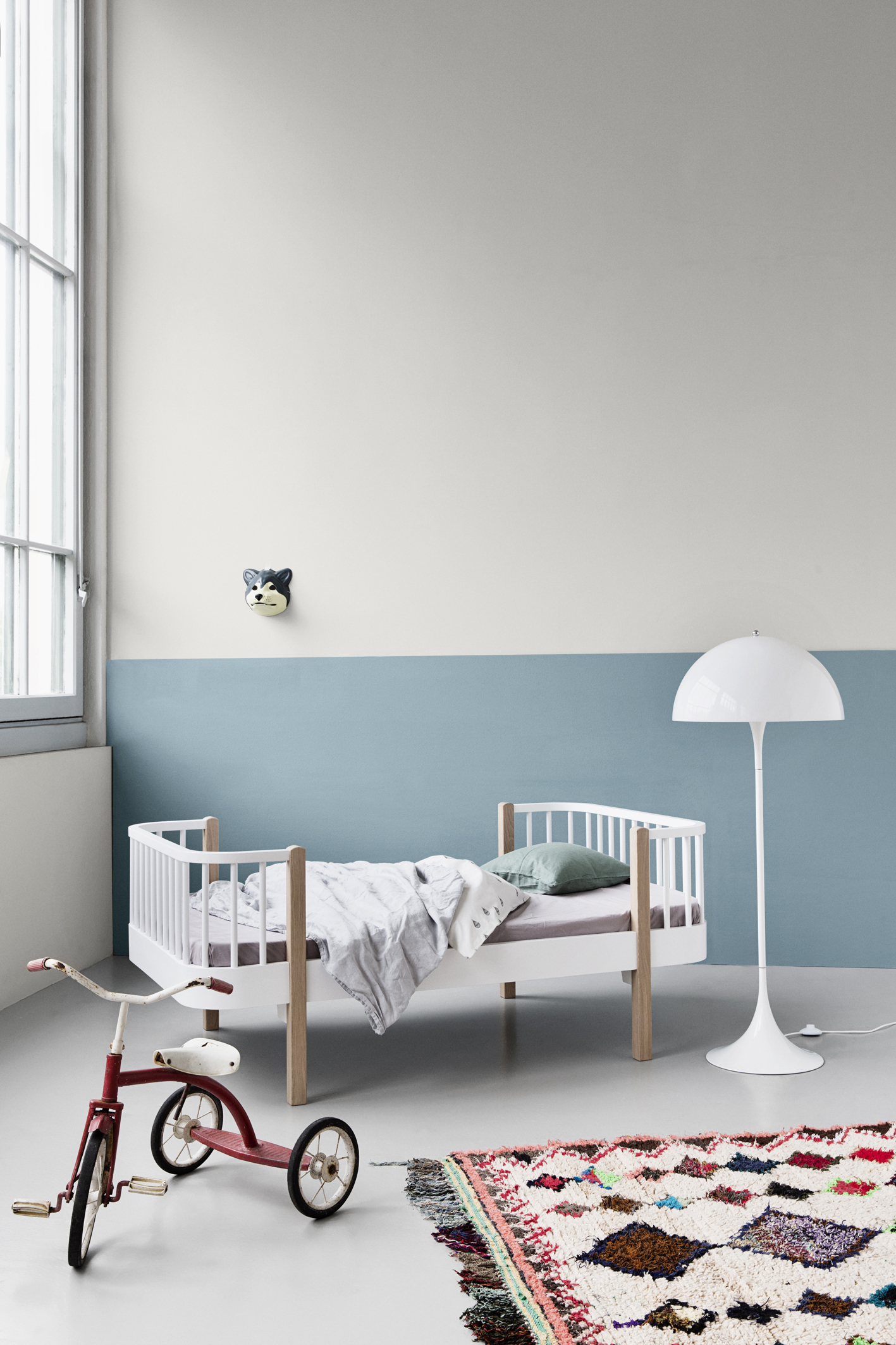 mood_041401_Wood_junior_bed_oak1
