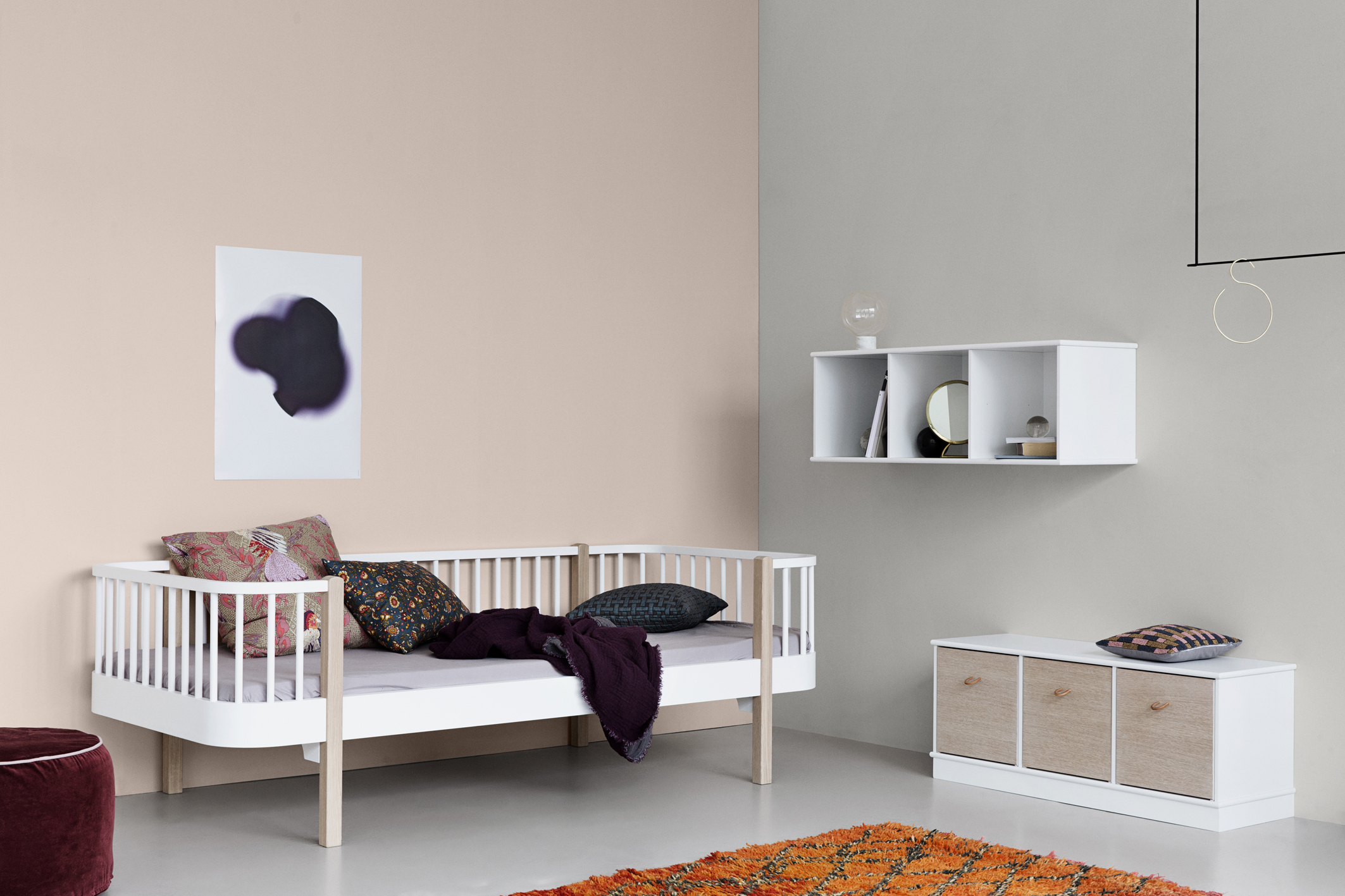 mood_041405_Wood_day_bed_oak_041324_041335_Wood_shelving_units1