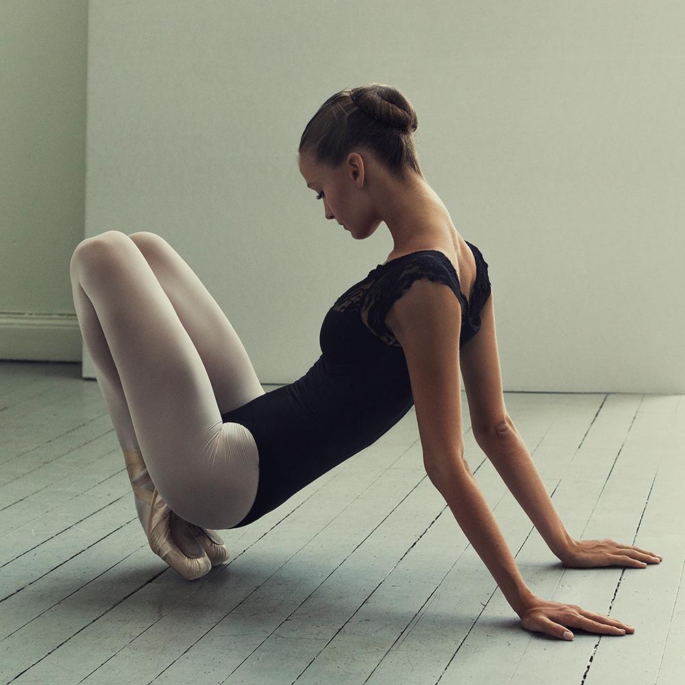 Ella Ballerina in Studio