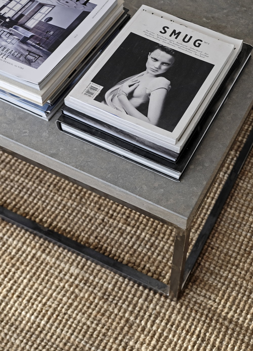 STIL_INSPIRATION_Lohals_rug_12_pieces_of_metal_table