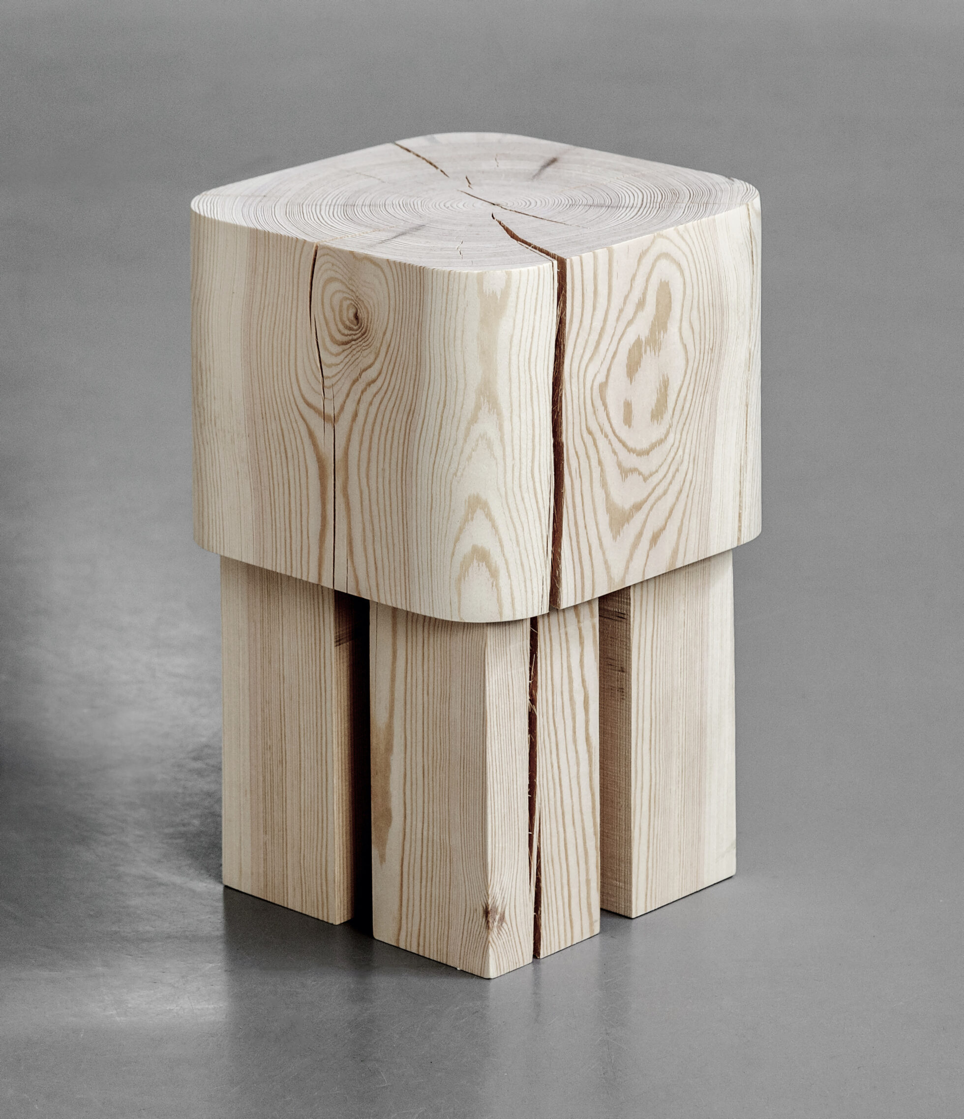 Pine stool love