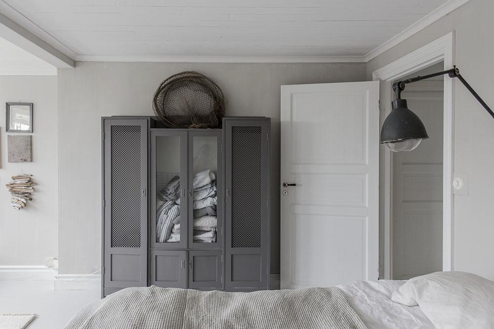 strenghielm_linen_cupboard.2